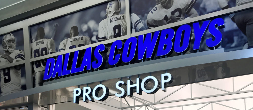 buy online 9bcdd 12477 Dallas Cowboys Pro Shop | Projects | 555 International